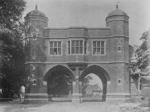 War Memorial Arch in 1922